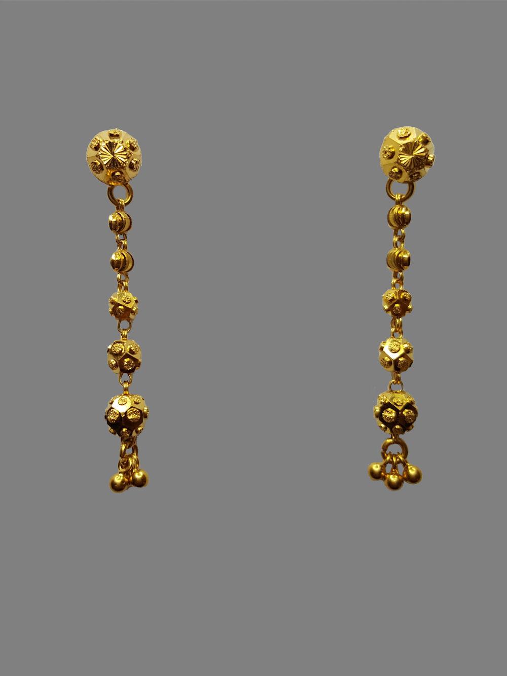 Gold Earrings 822