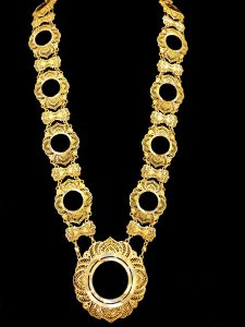 Yellow Gold Necklace & Kladeh